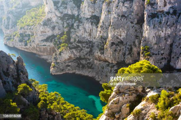 calanque d'en-vau in calanques national park, french riviera, france. - cassis stock pictures, royalty-free photos & images