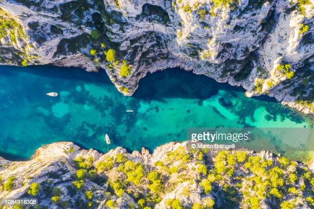 calanque d'en-vau in calanques national park, french riviera, france. - bouches du rhone stock pictures, royalty-free photos & images