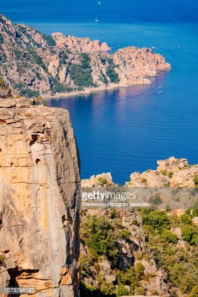 calanques de piana badlands and cliffs on the mediterranean sea, corse, france. - francesco riccardo iacomino france foto e immagini stock