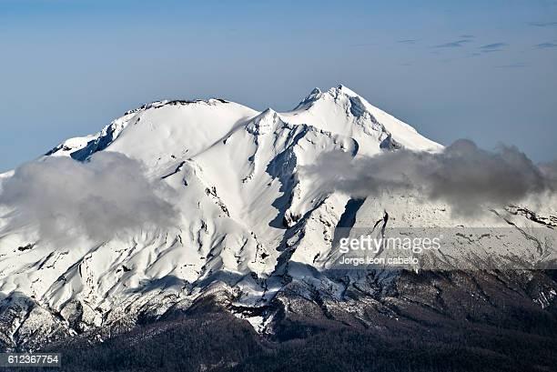 calbuco volcano - calbuco volcano stock pictures, royalty-free photos & images