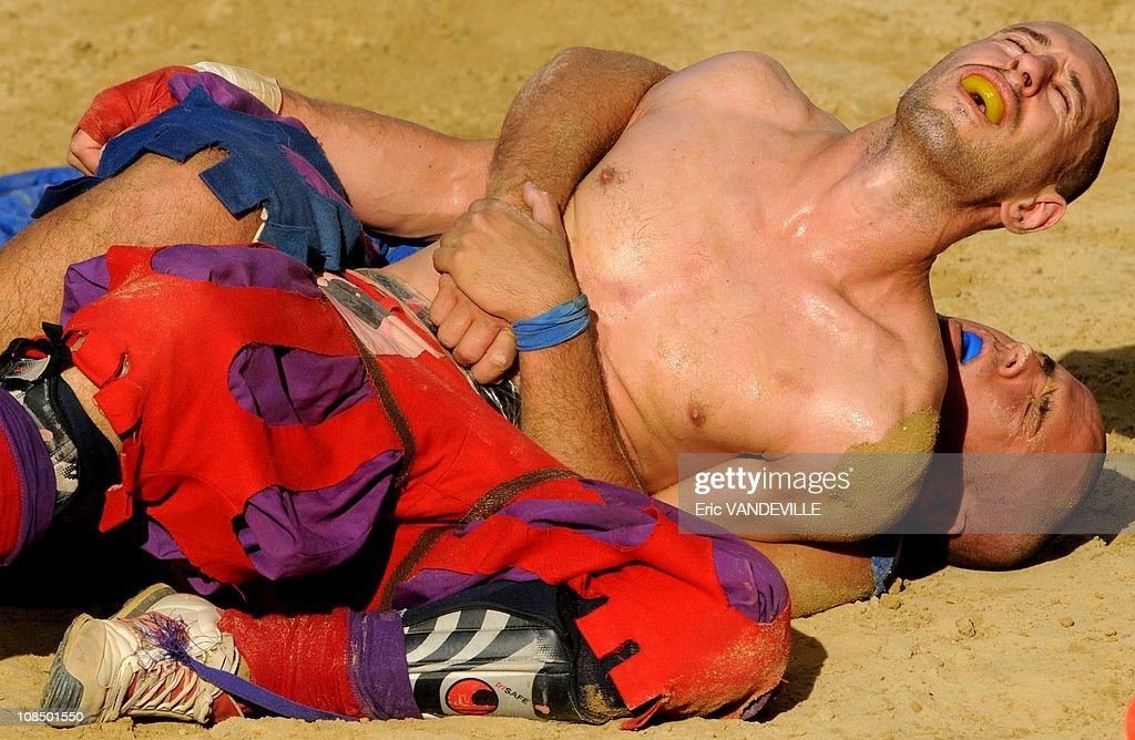 Florence's crazy football game: final of the amazing and violent Calcio Storico Fiorentino, historic Football played in costume,a cross between Greco-Roman wrestling,rugby and soccer in Florence, Italy on June 24, 2009. : News Photo