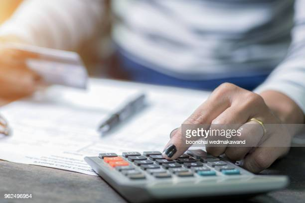Calculate how much cost or spending have with credit cards.