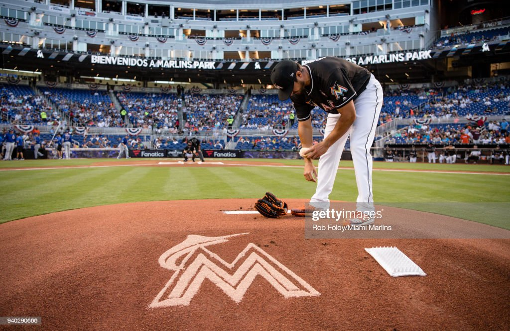 Caleb Smith #31 of the Miami Marlins prepares before the game against the Chicago Cubs at Marlins Park on March 30, 2018 in Miami, Florida.