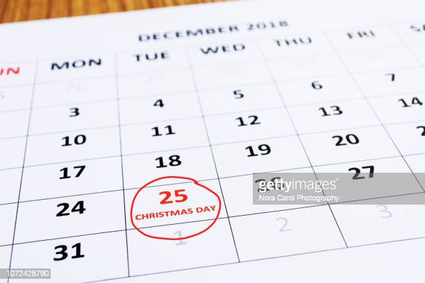 calendar indicating christmas day on 25th - countdown stock photos and pictures