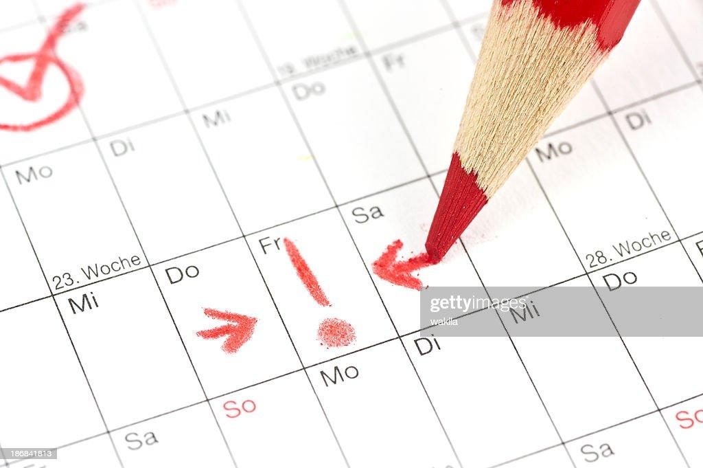 Calendario-Ausrufezeichen bei Termin a. Freitag mit rotem convento : Foto de stock
