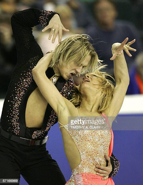 Albena Denkova and Maxim Staviski from Bulgaria perform during the Ice Dance Original Dance program 23 March 2006 at the ISU World Figure Skating...