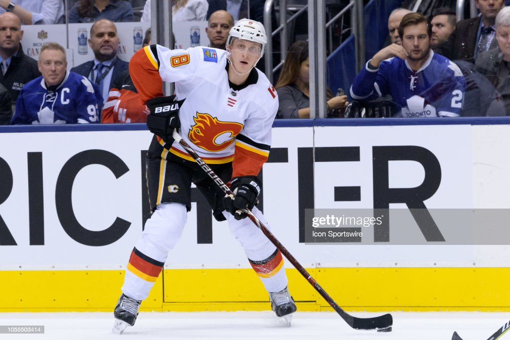 NHL: OCT 29 Flames at Maple Leafs : News Photo