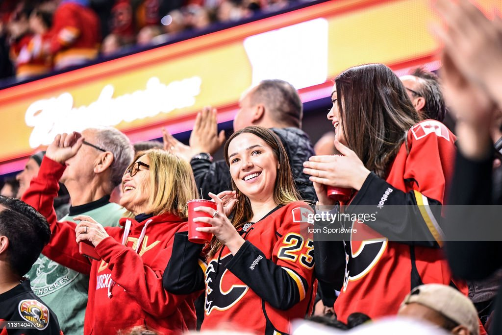 NHL: MAR 15 Rangers at Flames : News Photo