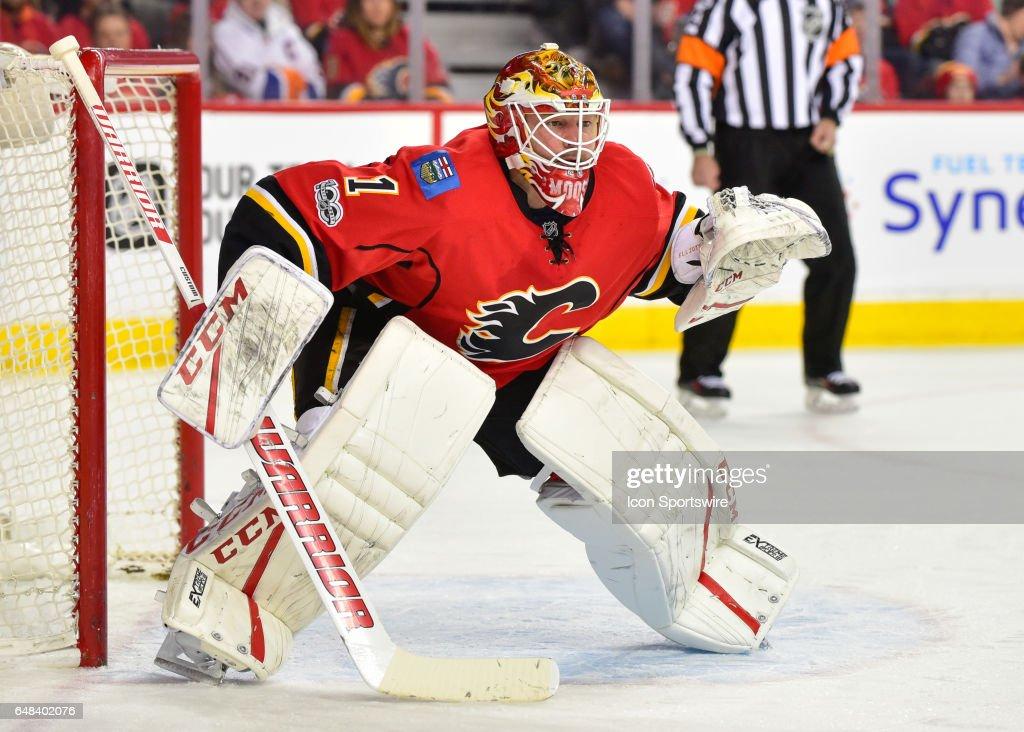 NHL: MAR 05 Islanders at Flames : News Photo