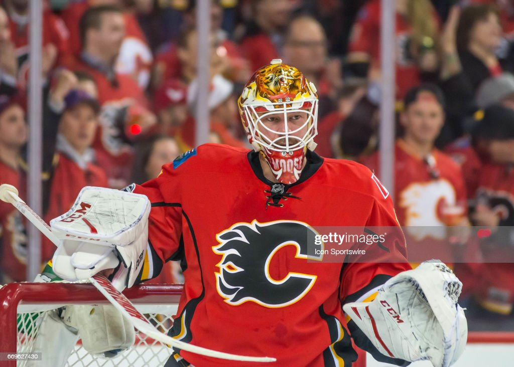 NHL: APR 17 Round 1 Game 3 - Ducks at Flames : News Photo