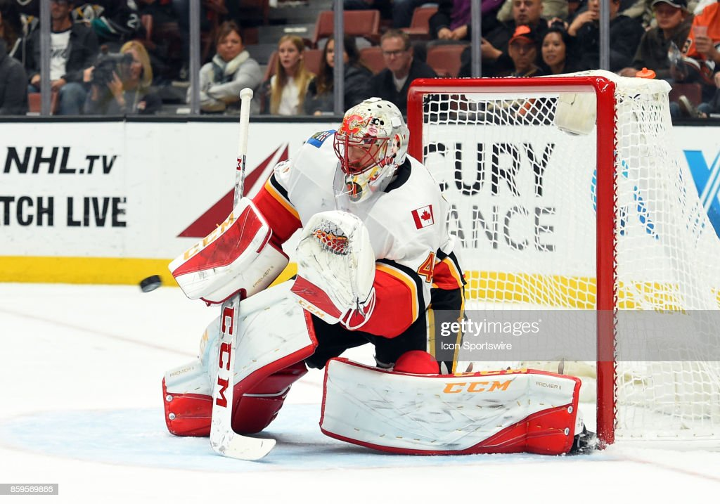 Calgary Flames Goalie Mike Smith (41) makes a glove save during an NHL game between the Calgary Flames and the Anaheim Ducks on October 09, 2017 at Honda Center in Anaheim, CA.