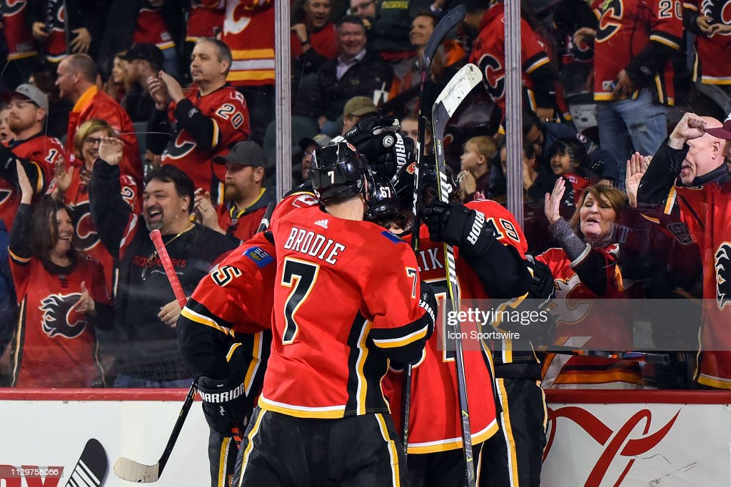 NHL: MAR 10 Golden Knights at Flames : News Photo