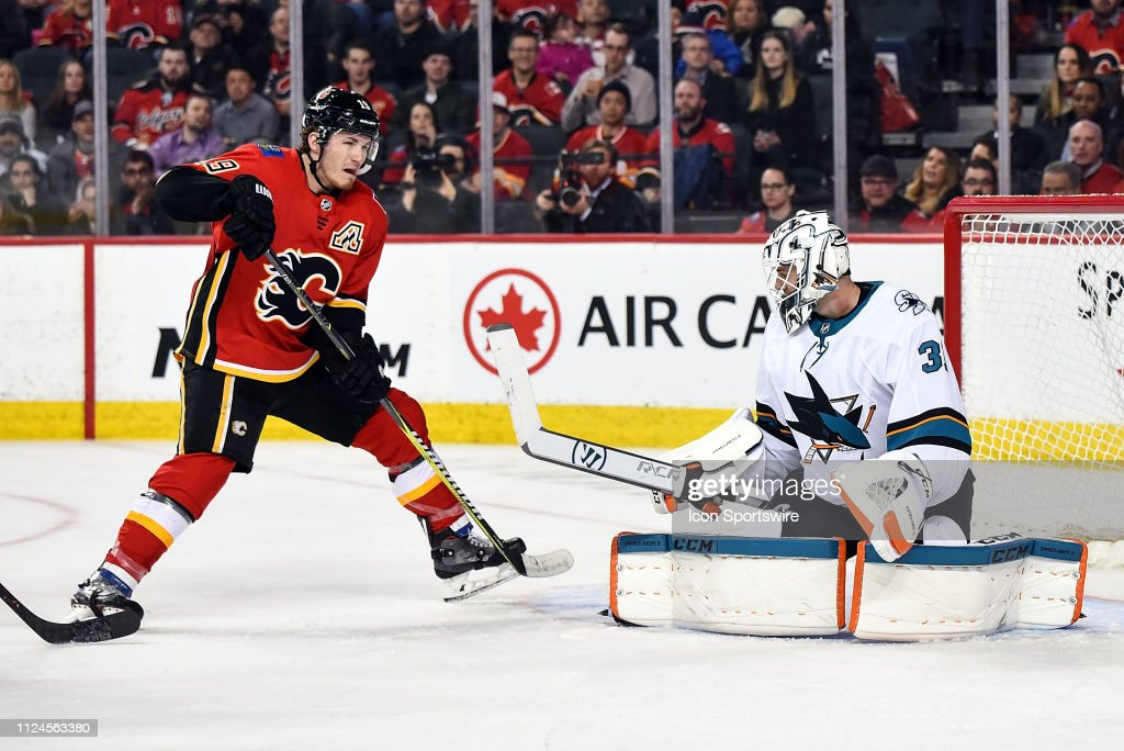 NHL: FEB 07 Sharks at Flames : News Photo