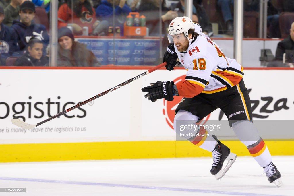 NHL: FEB 09 Flames at Canucks : News Photo