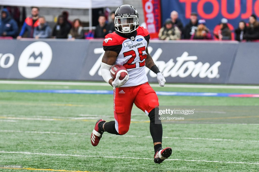 CFL: OCT 08 Calgary Stampeders at Montreal Alouettes : News Photo