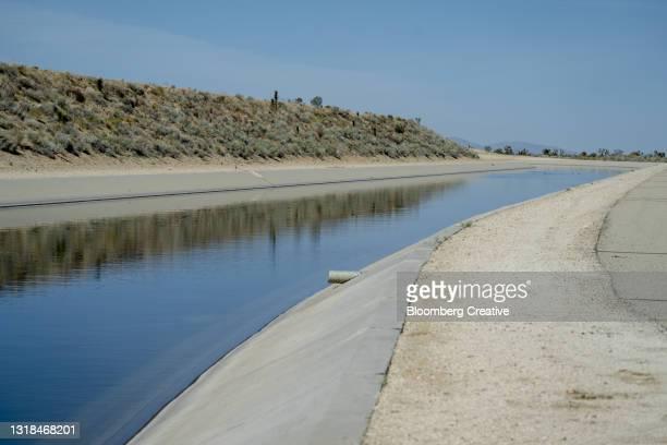 california aqueduct - マーセド郡 ストックフォトと画像