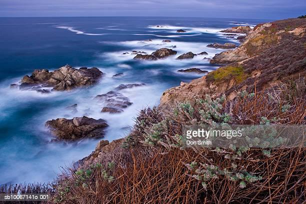 usa, california, big sur, garrapata state park, rocky coastline - don smith imagens e fotografias de stock