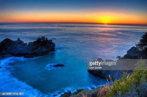 usa, california, big sur, mcway cove at sunset - don smith imagens e fotografias de stock