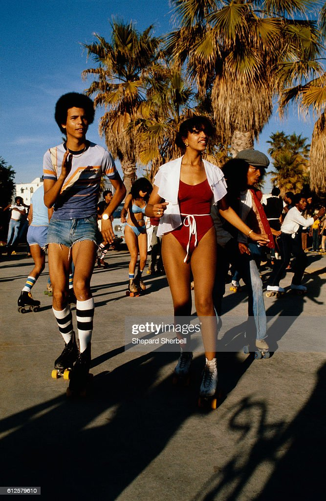 Roller Skaters in Venice Beach : News Photo