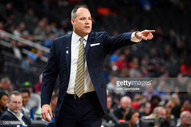 California Golden Bears head coach Mark Fox give instructions to his team during the first round game of the men's Pac-12 Tournament between the...