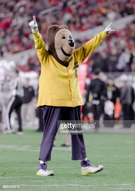 California Golden Bears mascot Oski appears at the Pac12 Championship game between the USC Trojans and the Stanford Cardinal on December 1 2017 at...