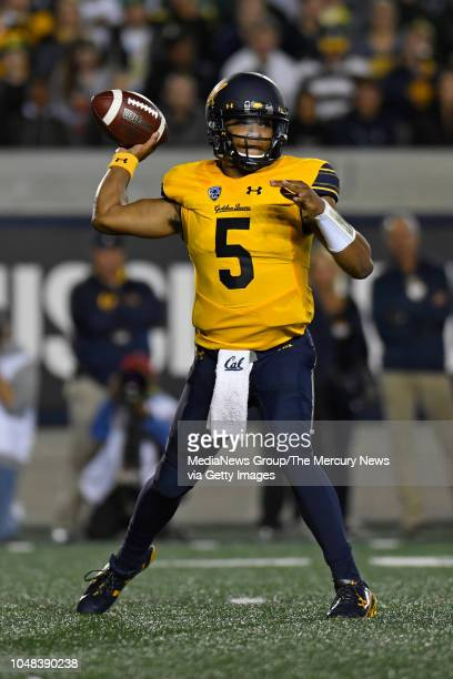 California Golden Bears quarterback Brandon McIlwain looks to pass against the Oregon Ducks during the second quarter of their game at Memorial...