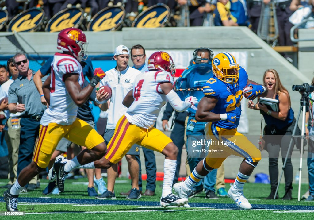 COLLEGE FOOTBALL: SEP 23 USC at Cal : Nachrichtenfoto