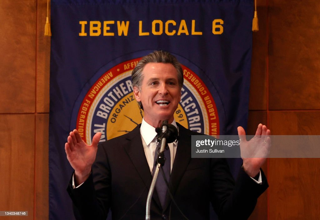 California Governor Gavin Newsom Meets With Campaign Staff And Volunteer On Day Of Recall Election Vote : News Photo