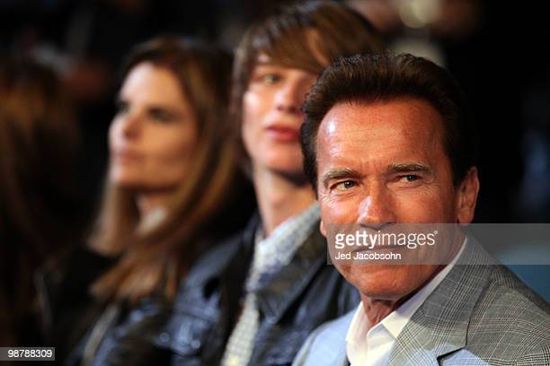 California Governor Arnold Schwarzenegger and wife Maria Shriver attend the Floyd Mayweather Jr and Shane Mosley welterweight fight at the MGM Grand...
