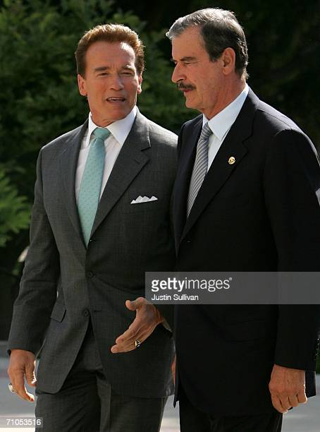 California governor Arnold Schwarzenegger arrives at the California State Capitol with Vicente Fox president of Mexico May 25 2006 in Sacramento...