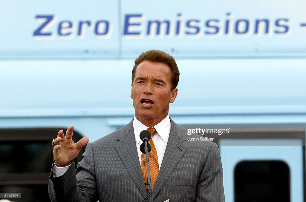 Governor Schwarzenegger Makes Announcement On The California Hydrogen Highway Network : News Photo