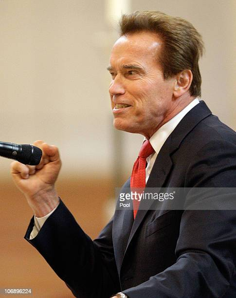 California Governor Arnold Schwarzenegger speaks at the funeral Mass for Italian film mogul and Hollywood producer Dino De Laurentiis at the...