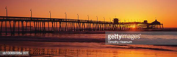usa, california, imperial beach and pier at sunset, panoramic view - timothy hearsum stock-fotos und bilder