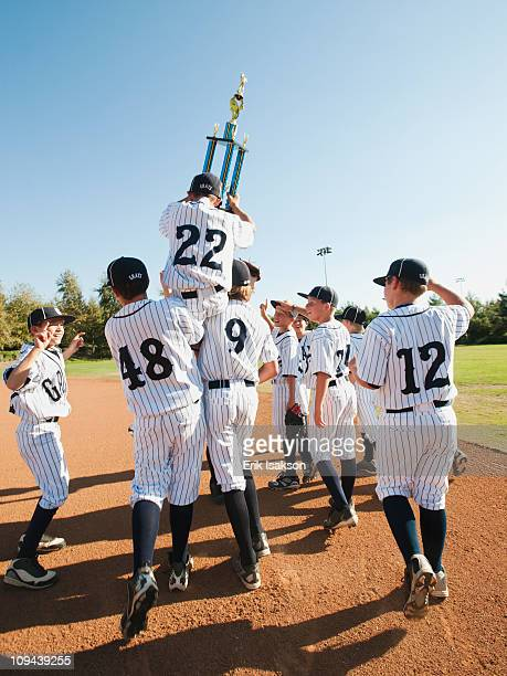 usa, california, ladera ranch, boys (10-11) from little league celebrating after winning - youth sports competition stock pictures, royalty-free photos & images