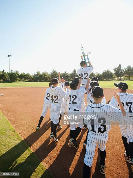 usa, california, ladera ranch, little league players (aged 10-11) celebrating - youth sports competition stock pictures, royalty-free photos & images