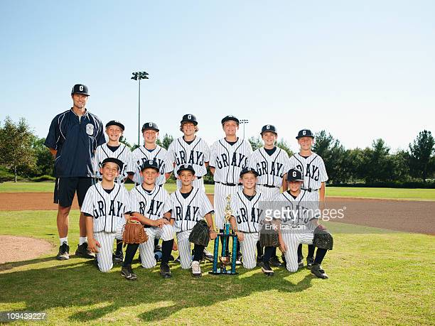 USA, California, Ladera Ranch, portrait of little league players (aged 10-11)