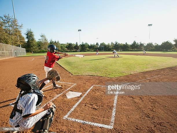usa, california, little league baseball team (10-11) during baseball match - 野球チーム ストックフォトと画像