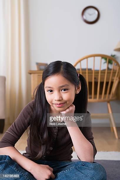USA, California, Los Angeles, Portrait of smiling girl (8-9)