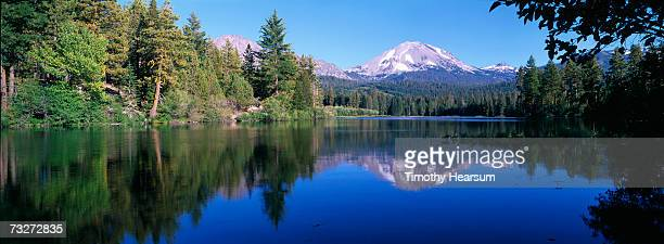 'USA, California, Manzanita Lake, Lassen Volcanic National Park, lake surrounded by forest'