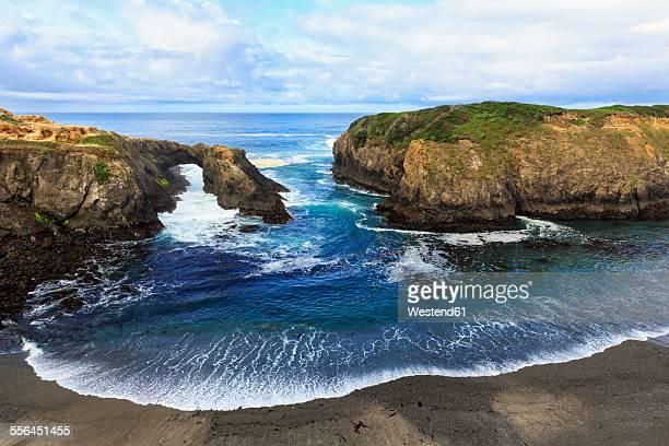 USA, California, Mendocino Headlands State Park, Mendocino, Pacific Coast, View to rock arch