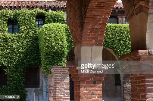 Keywords Arch Architecture Brick California