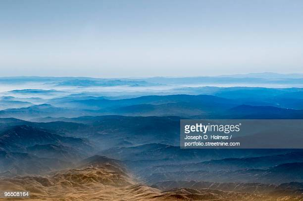 california mountain range from the air - joseph o. holmes stock pictures, royalty-free photos & images