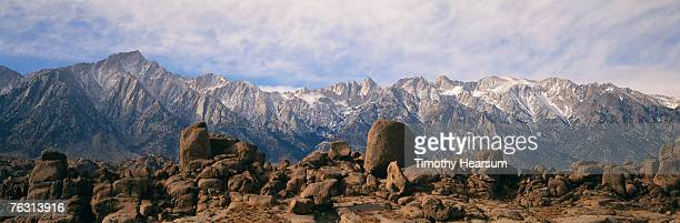 usa, california, nr lone pine, alabama hills,snow covered high sierras - timothy hearsum stock pictures, royalty-free photos & images
