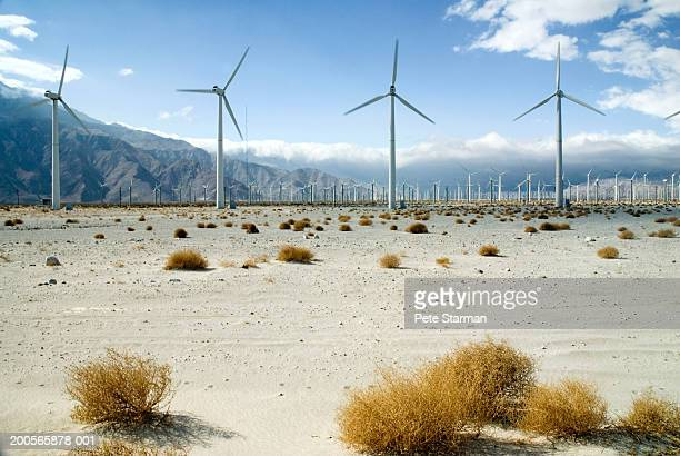 usa, california, palm springs, wind turbine farm - palm springs stock-fotos und bilder