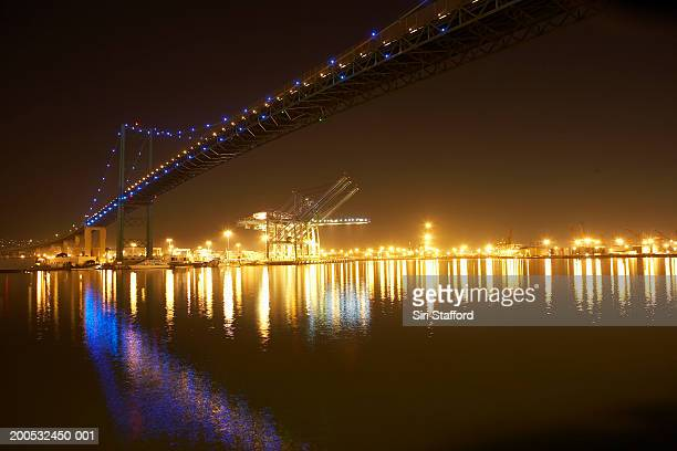 usa, california, port of los angeles, vincent thomas bridge at night - port of los angeles stock pictures, royalty-free photos & images