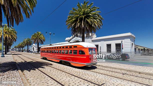 usa, california, san francisco, cable car on the embarcadero - fishermans wharf stock pictures, royalty-free photos & images