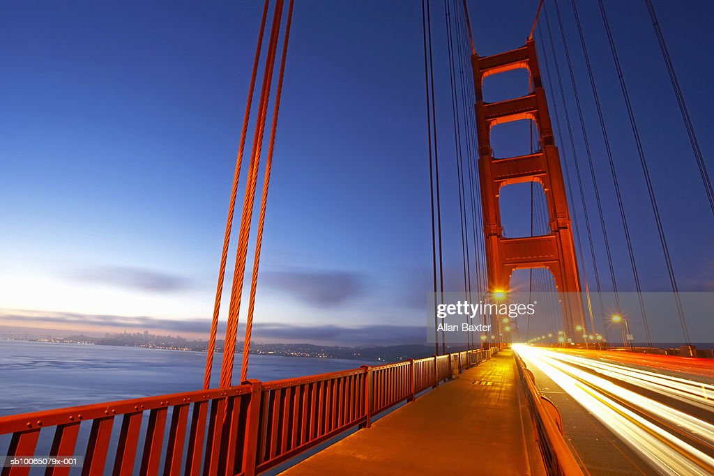 USA, California, San Francisco, Golden Gate Bridge at dawn : Stock Photo