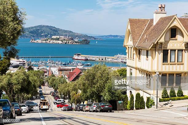 USA, California, San Francisco, Hyde Street, San Francisco Cable Car, San Francisco Bay and Alcatraz Island
