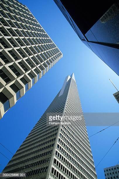 USA, California, San Fransisco, Transamerica Pyramid, low angle view