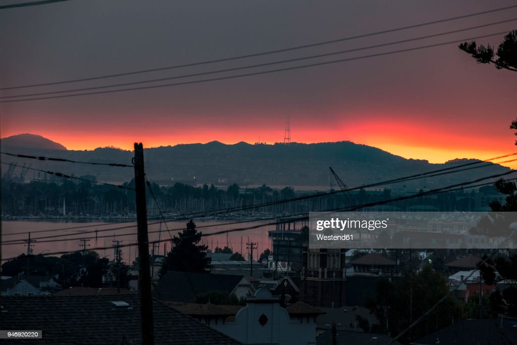 USA, California, view on Oakland bay at sunset : Stock Photo